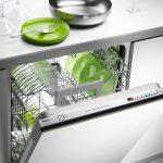 Sfruttare al meglio la lavastoviglie: trucchi e consigli utili