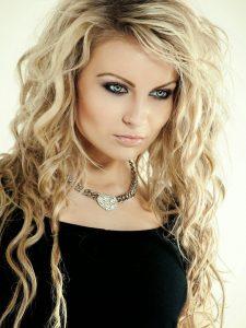 capelli extension biondi