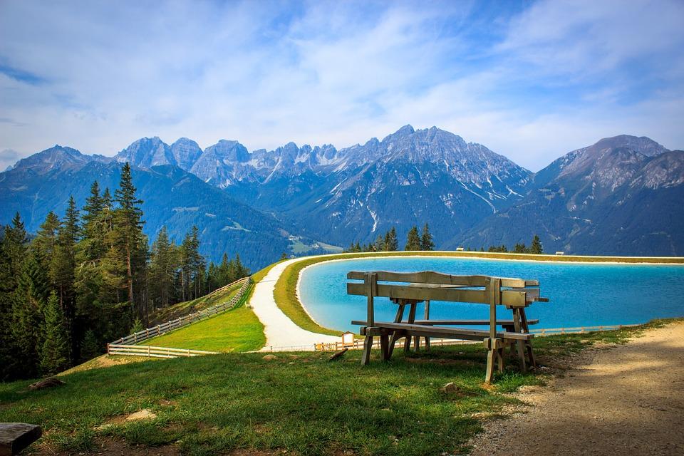 Vacanze estive il fascino della montagna conquista tutti for Vacanze in montagna