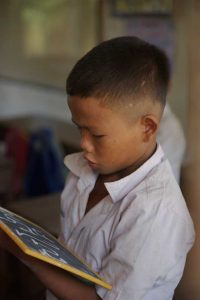 bambino lettura