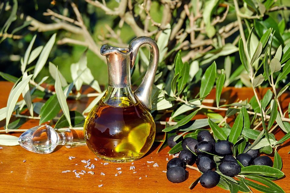 4 olive-oil-1596639_960_720